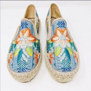 NEW Johnny Was Floral Embroidered Espadrilles